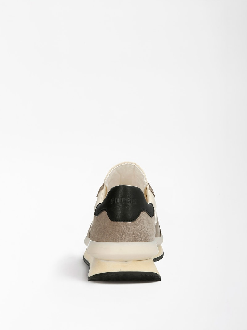 MADE SUEDE RUNNING SHOE image number 2
