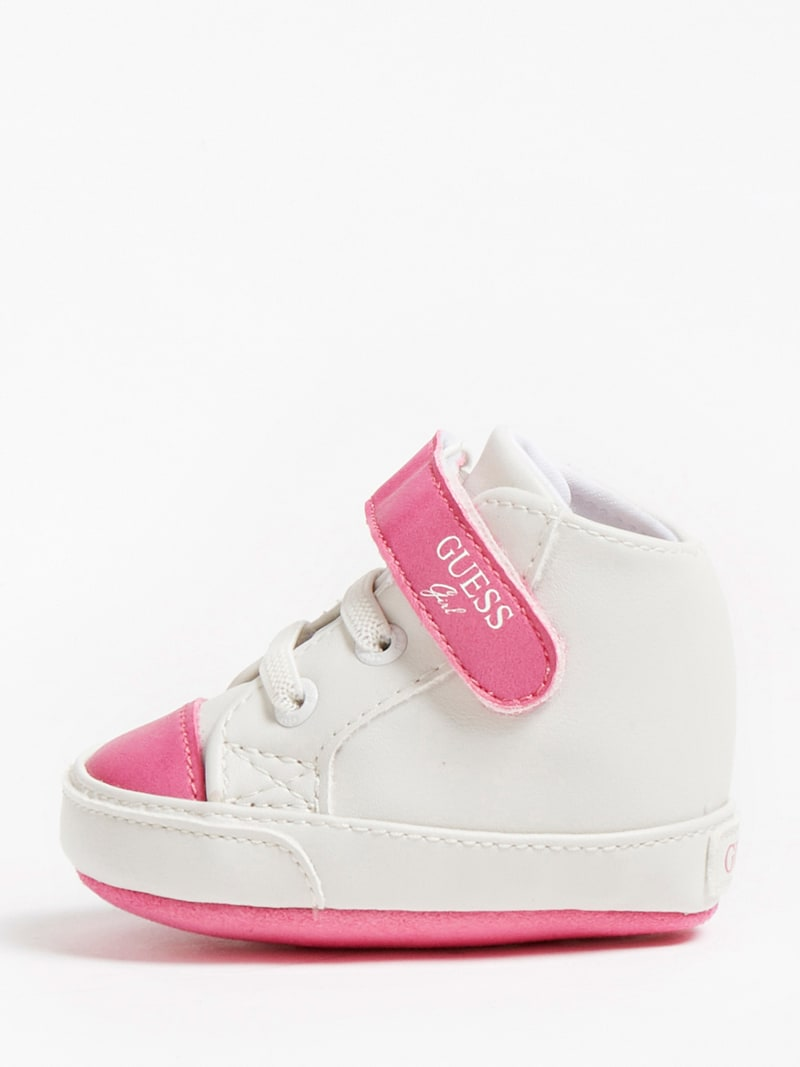 FLYNNA SNEAKER WITH STRAP FASTENING image number 1