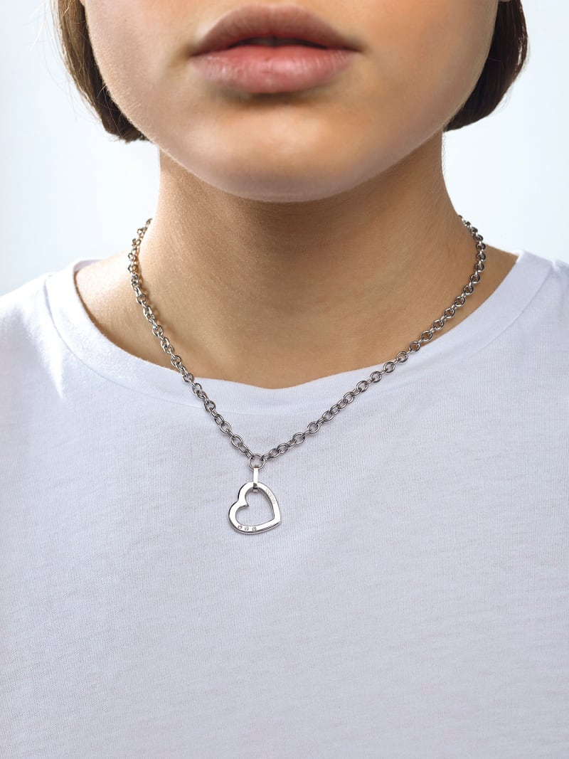 HEARTED CHAIN HEART NECKLACE image number 2