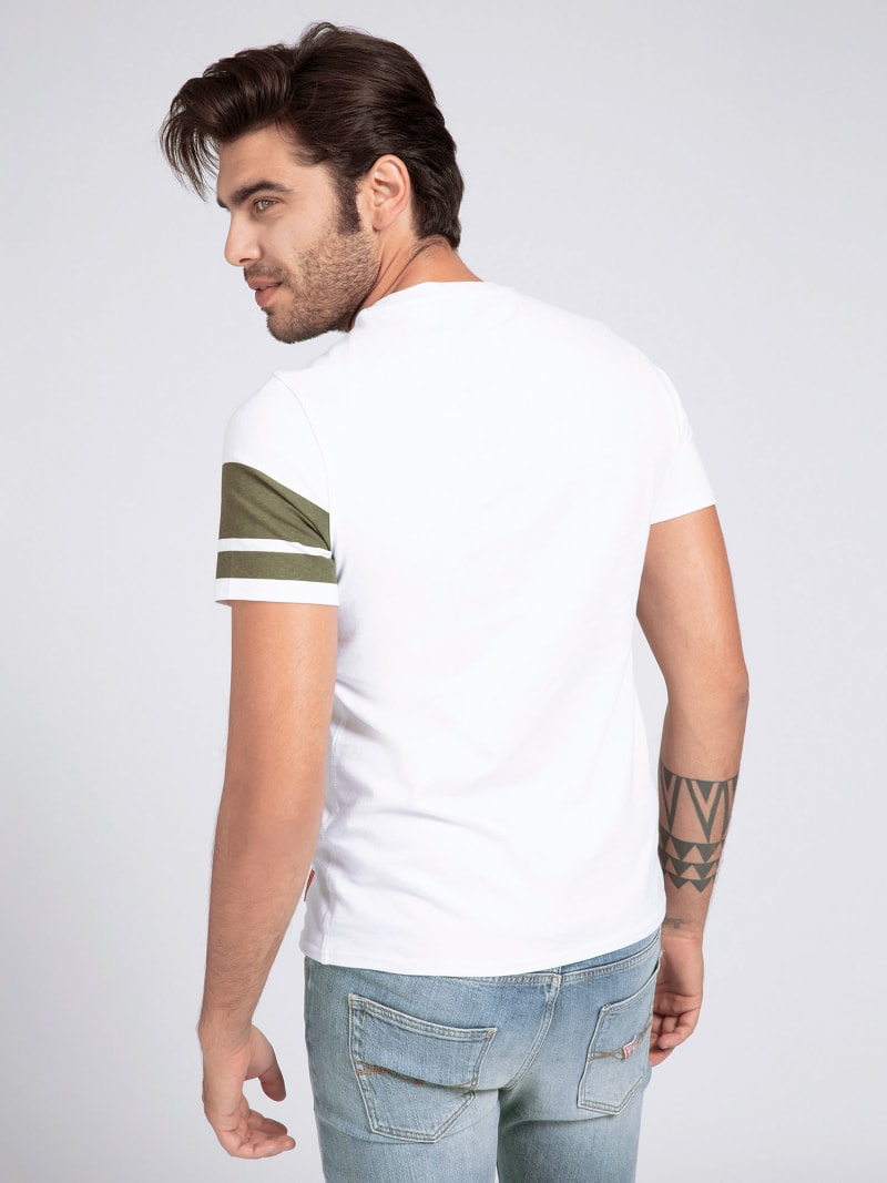 CAMOUFLAGE PRINT POCKET T-SHIRT image number 2