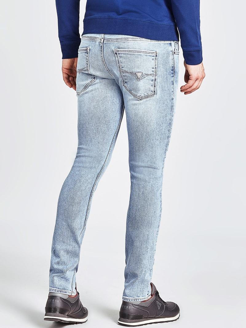 CLASSIC SLIM JEANS image number 2