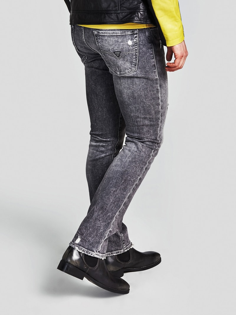 SKINNY JEANS WITH ABRASIONS image number 2