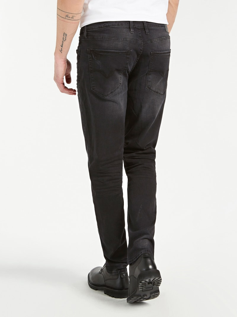 USED-LOOK JEANS image number 2