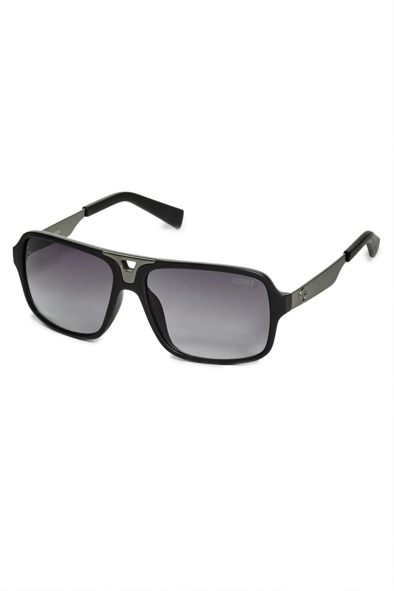 Plastic Navigator Sunglasses
