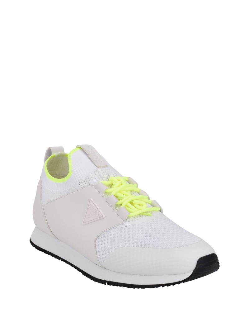 Newlin Stretch Sneakers