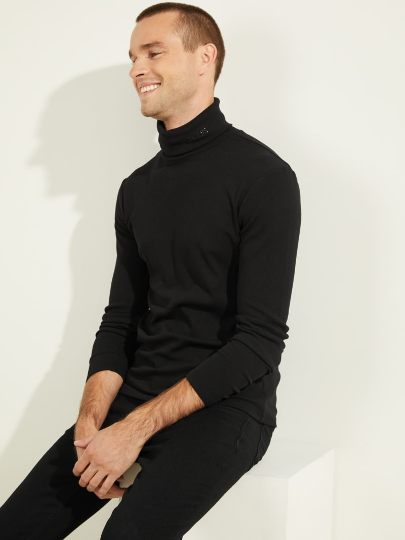 Mateo Ribbed Logo Turtleneck