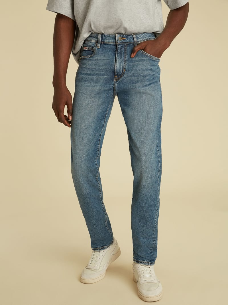 GUESS Originals Slim Straight Jeans